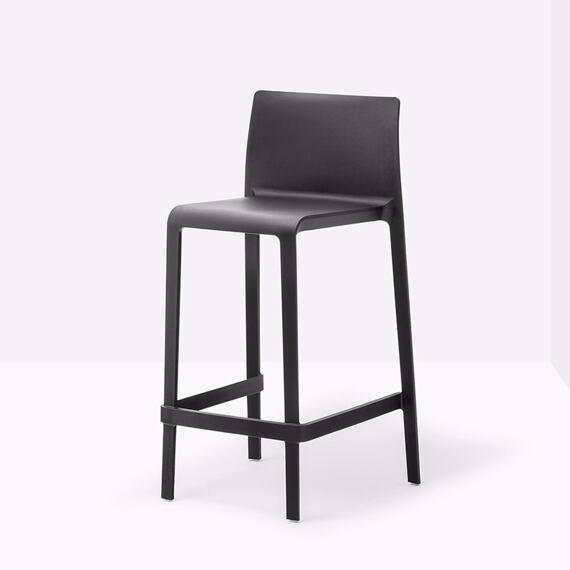 Pedrali Volt 678 - Black , pronájem barové židle černé